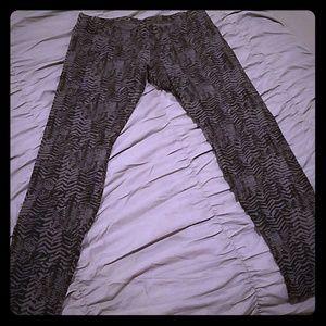 Black and gray leggins